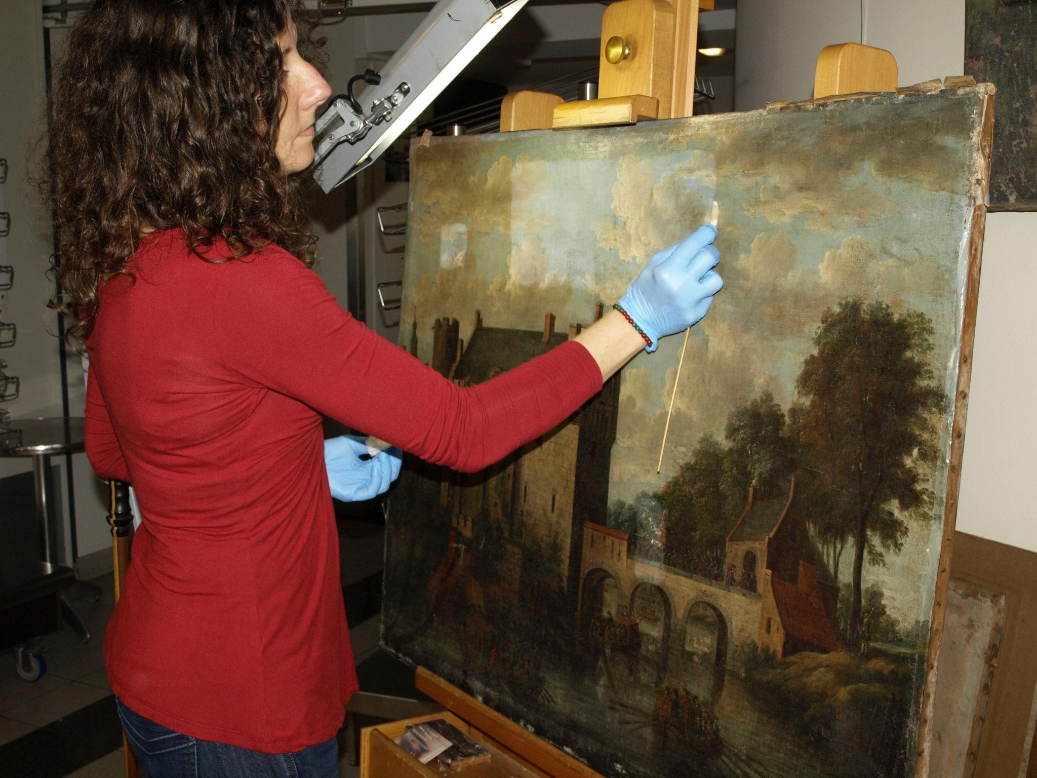 Atelier de restauration de tableaux Karine Hautefort